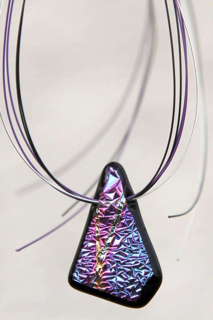 Halssmycke i glas